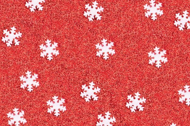 白い雪のフレークパターンをクローズアップ