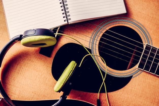 クローズアップ、写真、クラシック、アコースティック、ギター、フィルター、効果、レトロ、ヴィンテージ、スタイル
