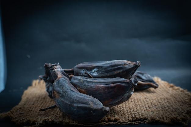 Черная гнилая банановая расческа на мешочке