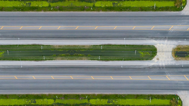 道路や高速道路の空撮