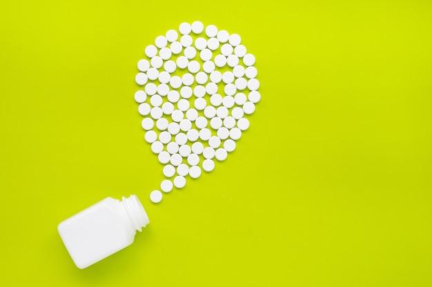 緑色のパラセタモールの錠剤