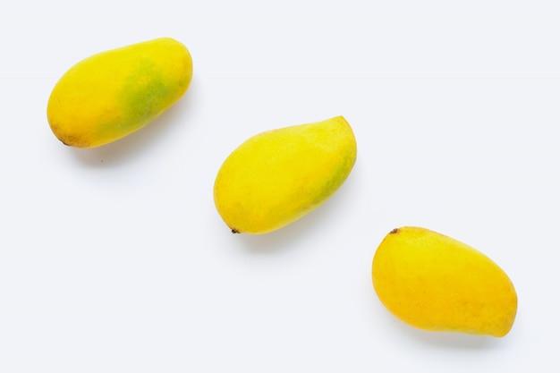 Тропические фрукты, манго