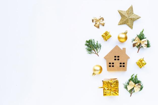 メリークリスマスとハッピーホリデー、ミニチュアの家