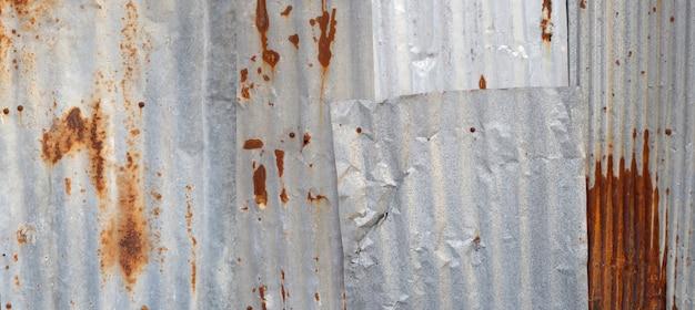 古いさびた亜鉛シートテクスチャ背景。