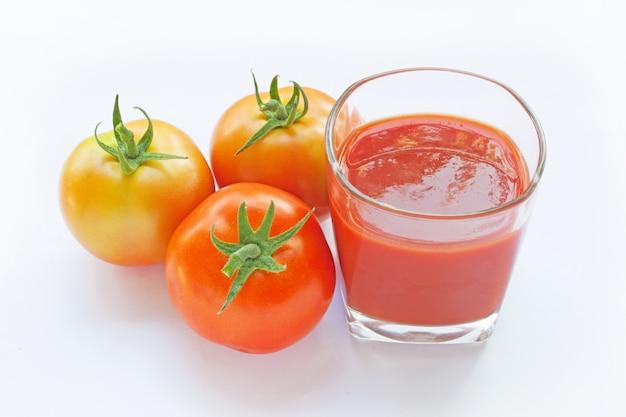 ガラスのトマトジュース