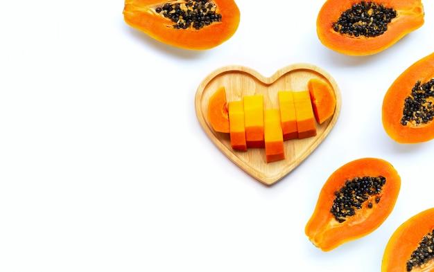 分離された白のパパイヤの果実。上面図