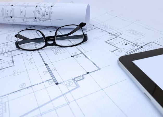 建築家の設計作業図面スケッチ計画建築家スタジオでの青写真