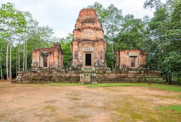カンボジア、アンコールワットの古代仏教クメール寺院。