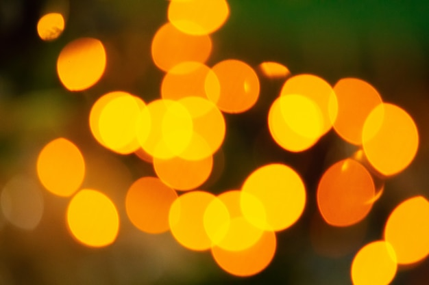 背景の黄色オレンジボケ