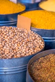 市場の穀物