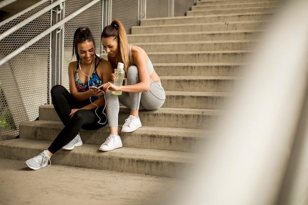 若い、女性、ランナー、階段