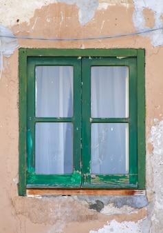 シチリアの古い窓