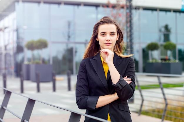 若い実業家の肖像画