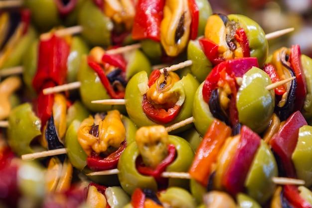 Салат оливковый