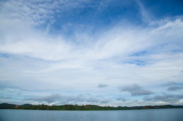 空、山、川。