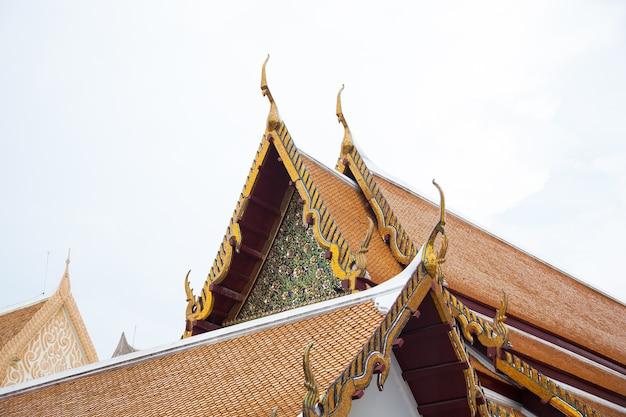 タイの寺院の屋根。