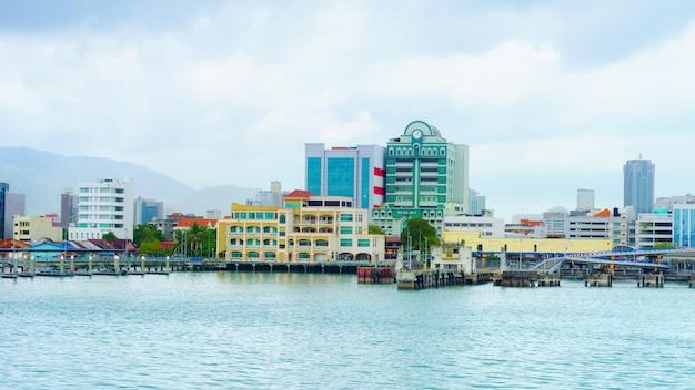 ペナンは、マレー半島の北西沿岸に位置するマレーシアの州です。