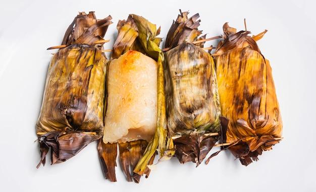 Тайская еда бананы с клейким рисом