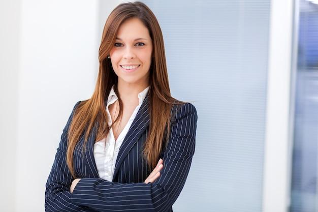 若い女性のマネージャー