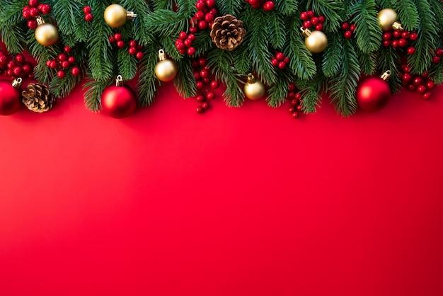 Рождественские еловые ветки