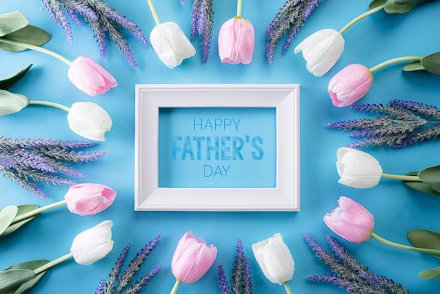 Счастливый день отцов кадр на ярко-синем