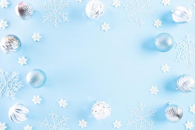 テキストのコピースペースとクリスマスの休日の装飾背景。