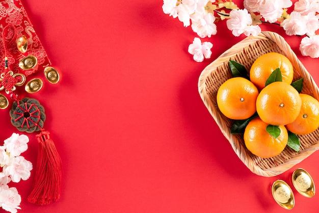 Китайский новый год фестиваль украшений на красном