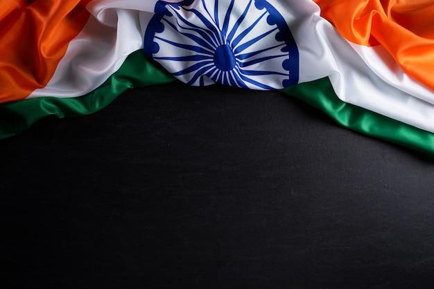 Индийский флаг на доске
