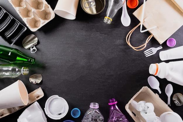 さまざまなゴミ材料の平面図