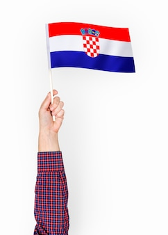 クロアチア共和国の旗を振る人