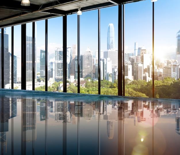 都市の風景のスカイライン朝のビューメトロポリスのコンセプト