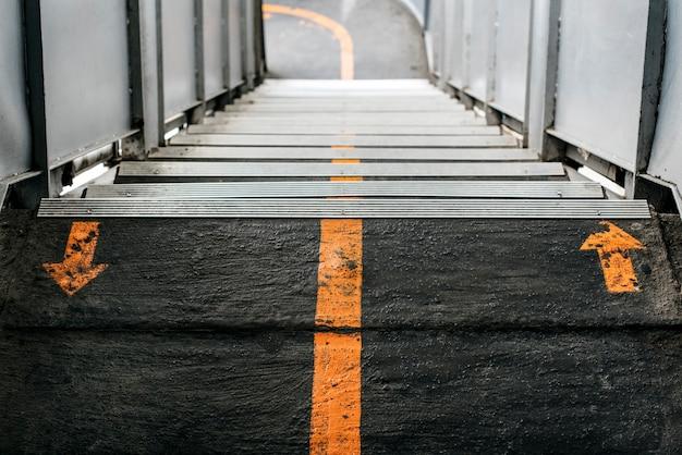 都市の階段