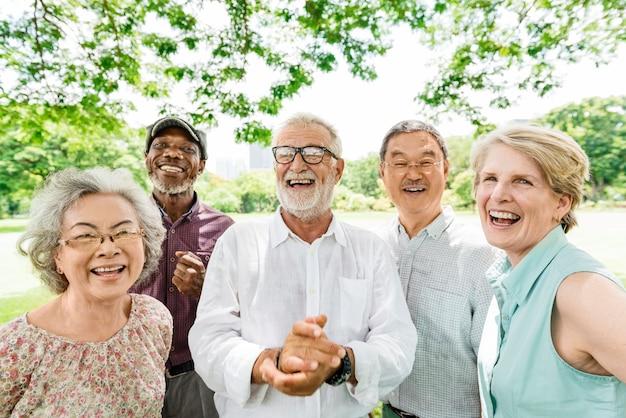 Концепция счастья группы старших пенсионеров