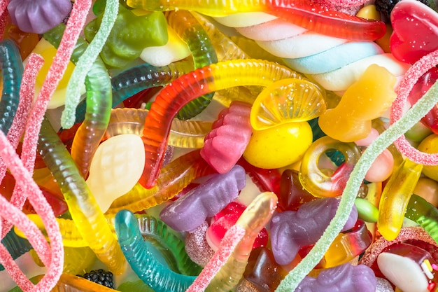 Макрофотография красочных сортов желе червей и других конфет