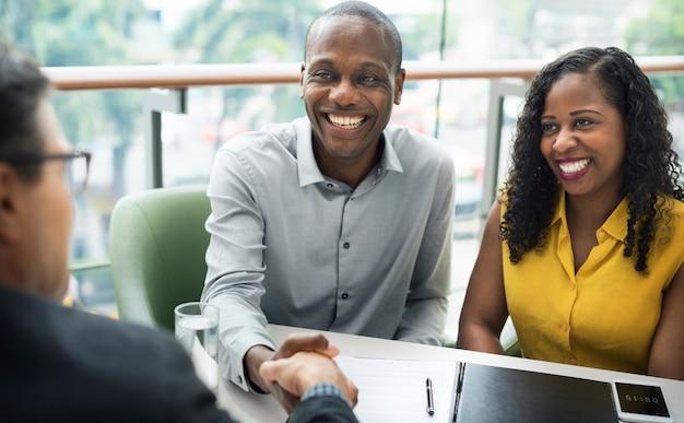 ビジネスコミュニケーション接続人の概念
