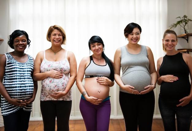 授乳中の妊婦