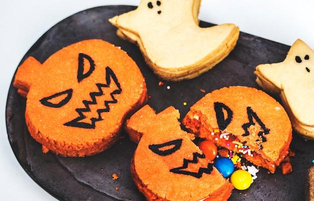 お祝いとかわいいハロウィーンのクッキー