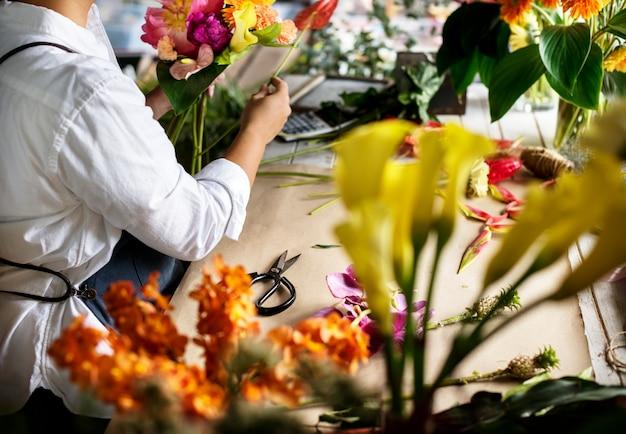 花屋で花屋を作っている花屋