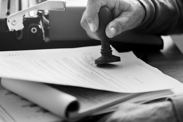 Концепция контракта с пожизненным штемпелем