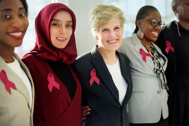 Разнообразные женщины вместе