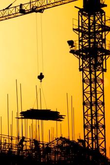 日没の主要な住宅プロジェクトの建設。