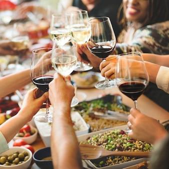 ブランチの選択群衆の食事の食事のオプションコンセプトの食事
