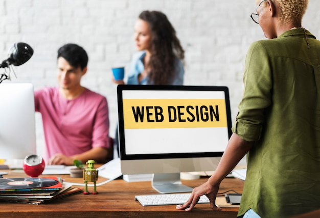 ウェブデザイナーのオフィス
