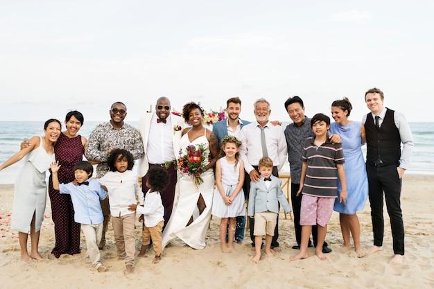 アフリカ系アメリカ人カップルズ結婚式の日