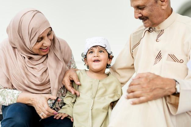 孫とのイスラム教徒の祖父母