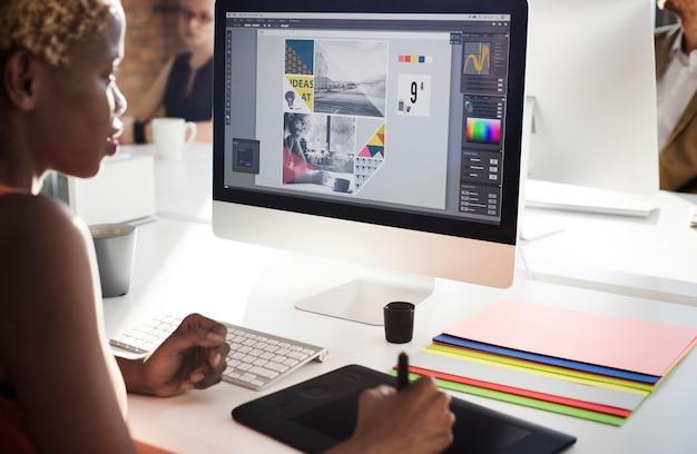 グラフィックデザイナーの創造性エディタアイデアデザイナーのコンセプト