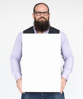 スタジオの人々は、白で肖像画を撮る