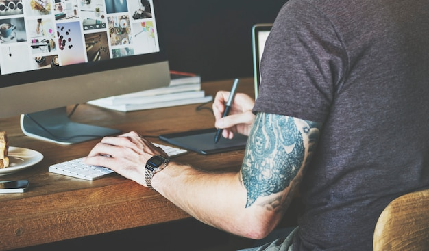Концепция графического дизайнера для человека