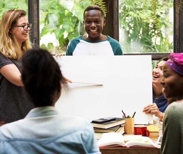 友達人グループチームワーク多様性