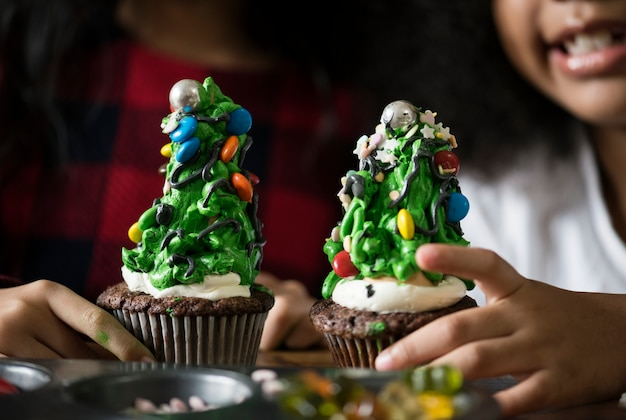 クリスマスツリー装飾カップケーキ